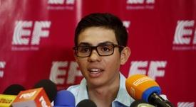 En la imagen un registro del ciclista colombiano Sergio Higuita, del equipo EF Education First, durante una rueda de prensa, en Medellín (Colombia). EFE/Luis Eduardo Noriega/Archivo