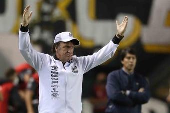Santos afronta la última jornada con los deberes hechos. EFE/Archivo