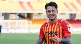 Pese a ser italiano, le jugador del Benevento quiere jugar con Perú. EFE/EPA