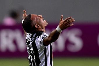 Atlético Mineiro volvió a empatar y se despidió del título. EFE
