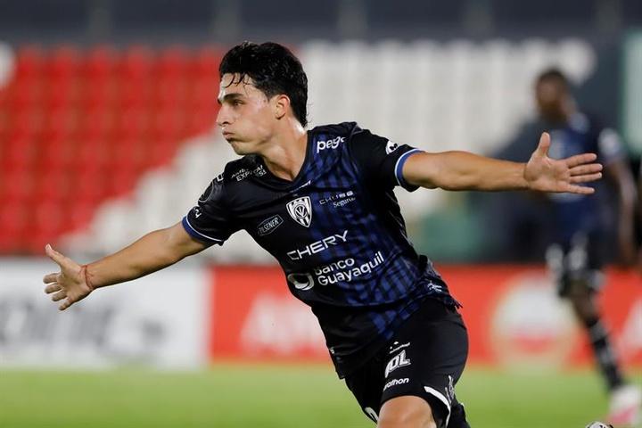Faravelli y Ortiz triunfan con Independiente del Valle. EFE
