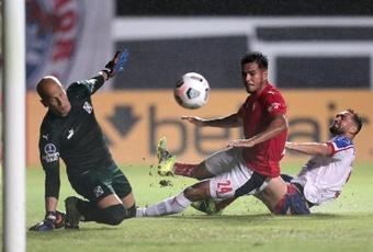 Bahía e Independiente empataron a dos en la Copa Sudamericana. EFE