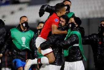 Atlético Goianiense venció 1-2 ante Libertad. EFE
