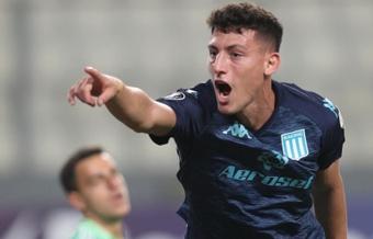 Racing Club venció 0-2 a Sporting Cristal. EFE