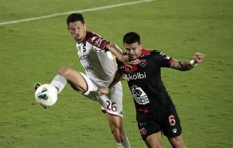 Alajuelense-Saprissa y Santos-Herediano, las 'semis' del fútbol en Costa Rica. EFE