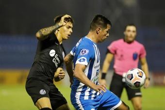 San Lorenzo ganó a 12 de Octubre (0-2). EFE