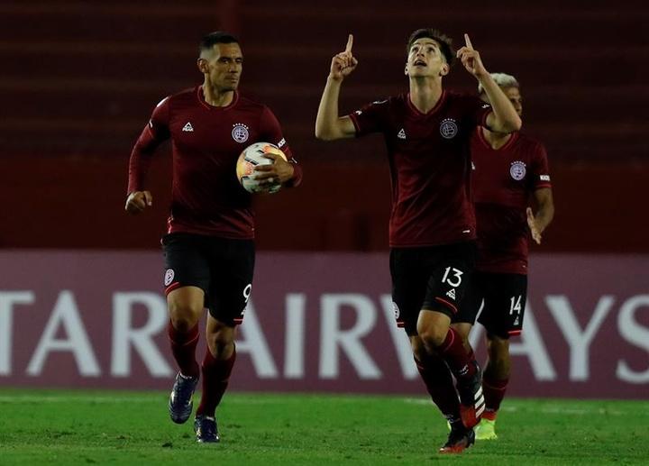 Lanús goleó a La Equidad (4-1). EFE