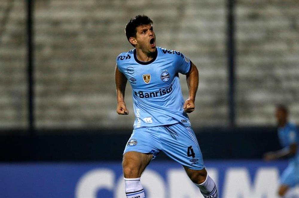 Gremio y Liga de Quito se juegan pasar a los cuartos. EFE