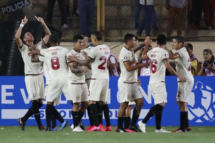 Sporting Cristal empató a dos contra Universitario de Deportes. EFE