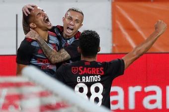 El Benfica se resarce, el Dinamo paga el racaneo y el Slavia regala su ilusión. EFE