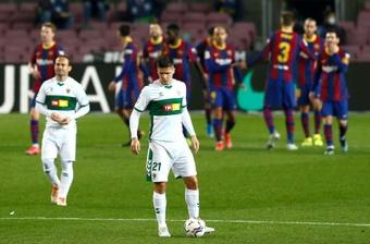 El Elche reparte los dorsales: el '7' de Nino, para Carrillo. EFE