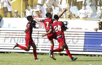 FAS, a hacerse fuerte en el liderato tras la eliminación en la Liga CONCACAF. EFE