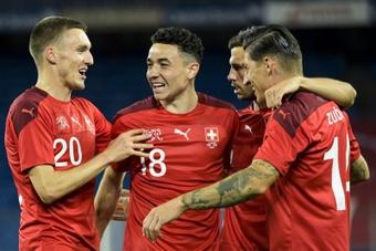 Suiza venció en el debut de su entrenador. EFE