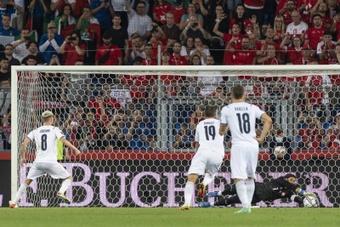 Sommer atajó el penalti lanzado por Jorginho. EFE