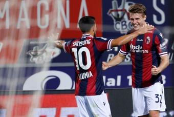 Svanberg agranda la sonrisa del Bologna y el lamento del Hellas Verona. EFE