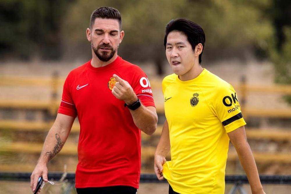 El Mallorca quiere mantener los buenos números con el Villarreal en casa. EFE