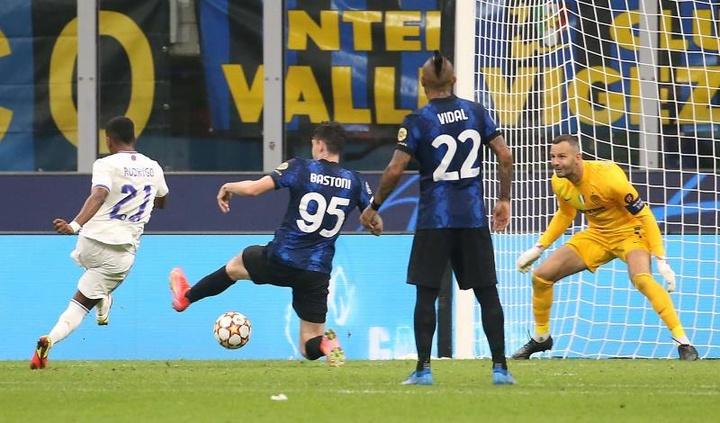 Rodrygo y Camavinga, los brotes verdes del debut en Champions. EFE