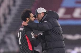 Klopp negó tener noticias sobre el futuro de Salah. EFE