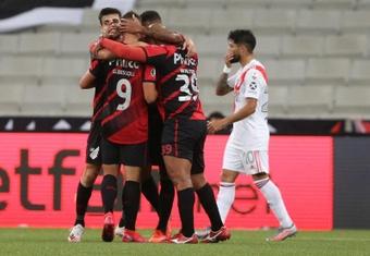 Paranaense, con todo para enfrentarse a Peñarol. EFE