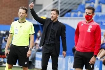 Simeone vislumbra el primer momento de dificultad del Atleti. EFE