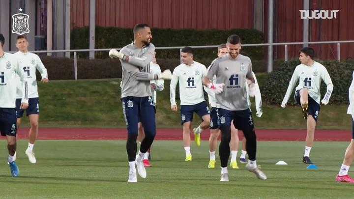 España se entrenó con Ramos y Gayà. DUGOUT