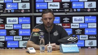 Executivo de futebol fala sobre opções de volantes no grupo do Santos. DUGOUT