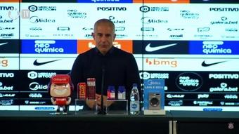 Sylvinho fala em jogo de bom nível e elogia postura do Corinthians. DUGOUT
