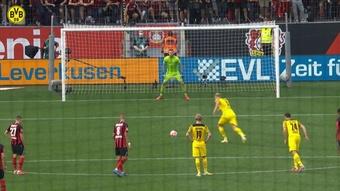Le but de la victoire d'Erling Haaland contre Leverkusen. Dugout
