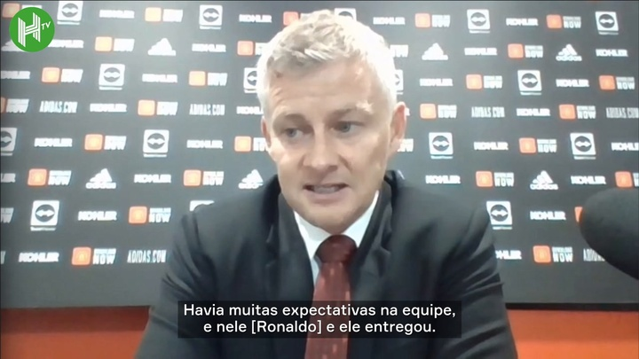 Solskjaer rasga elogios na reestreia de Ronaldo.