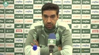 Abel explica dificuldades no setor ofensivo do Palmeiras.