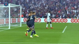 Mauro Icardi scored as PSG beat Strasbourg 4-2. DUGOUT