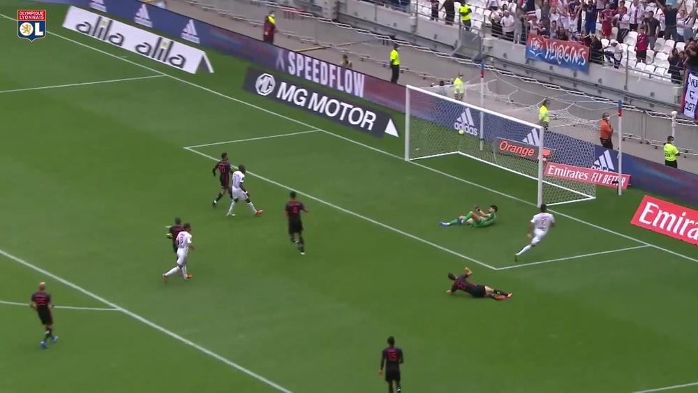 La strepitosa azione del gol di Paquetà contro il Clermont. Dugout