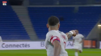 Le doublé de Memphis Depay contre Strasbourg. dugout