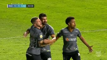 Debut con gol salvador de Diego Costa. DUGOUT