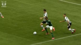 Wesley's skilful dribble vs Santos. DUGOUT