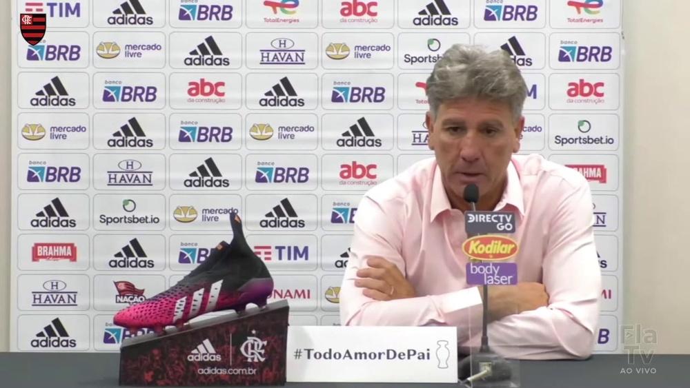 Renato Gaúcho explica a mudança de ritmo do time no segundo tempo. DUGOUT