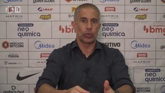 Sylvinho fala sobre oportunidades dadas dentro do elenco do Corinthians.