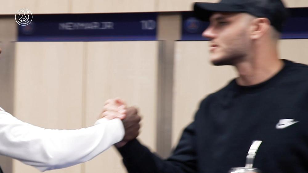 Les premiers moments de Nuno Mendes au Paris Saint-Germain. Dugout