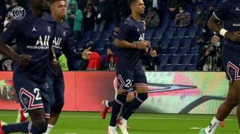 Confira os bastidores da virada do Paris Saint-Germain por 2 a 1. DUGOUT