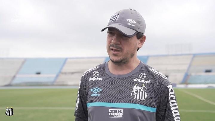 Fernando Diniz elogia Marinho e explica ausência do atacante no Equador. DUGOUT