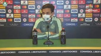 Raphael Veiga 'ignora' torcida do Atlético-MG.