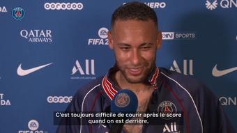 Neymar très heureux de retrouver le public parisien. DUGOUT