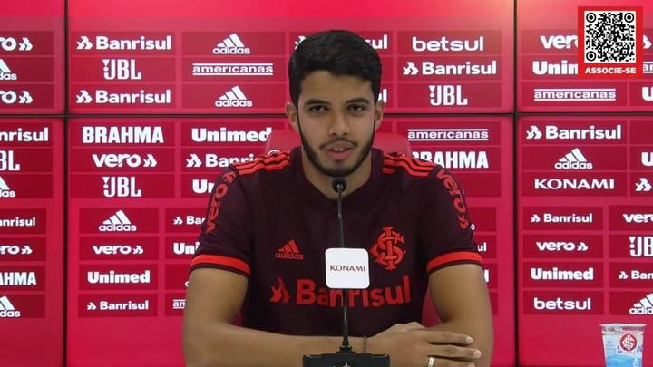 Kaique Rocha fala do peso da camisa 3 do Inter. DUGOUT