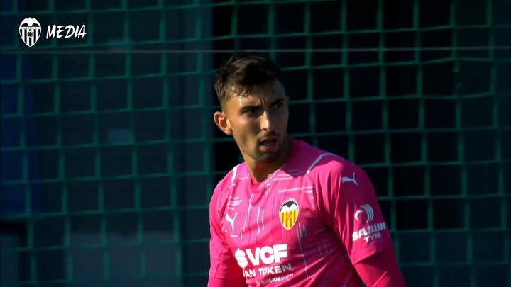 Valencia were beaten 0-2 by Zaragoza. DUGOUT