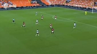 Découvrez le résumé vidéo de la victoire de Valence sur le Milan AC en amical. Dugout