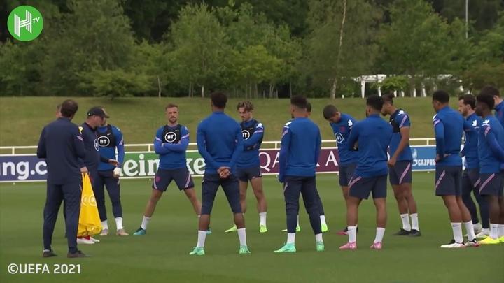 Recuperados, Henderson e Maguire voltam a treinar com a Inglaterra. DUGOUT