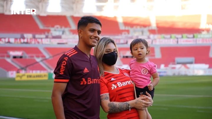 Gustavo Maia e Kaique Rocha conhecem o Beira-Rio.