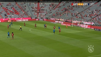 Bayern and Ajax drew 2-2 at the Allianz Arena. DUGOUT