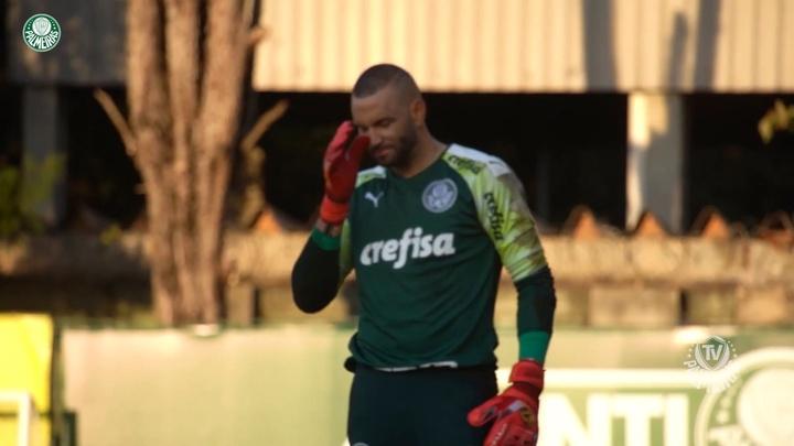 Weverton volta ao Palmeiras após Copa América.