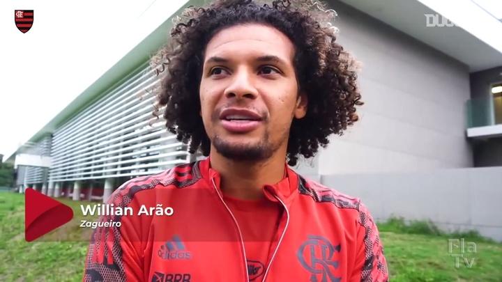 Willian Arão comemora marca de 300 jogos.
